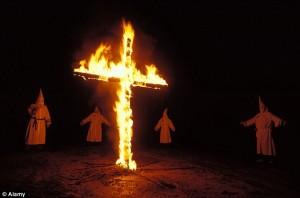 Ku_Klux_Klan_burning_cros